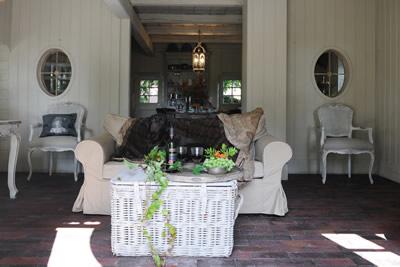 video niedliche ferienwohnung wie zu marie antoinettes zeiten in berne. Black Bedroom Furniture Sets. Home Design Ideas